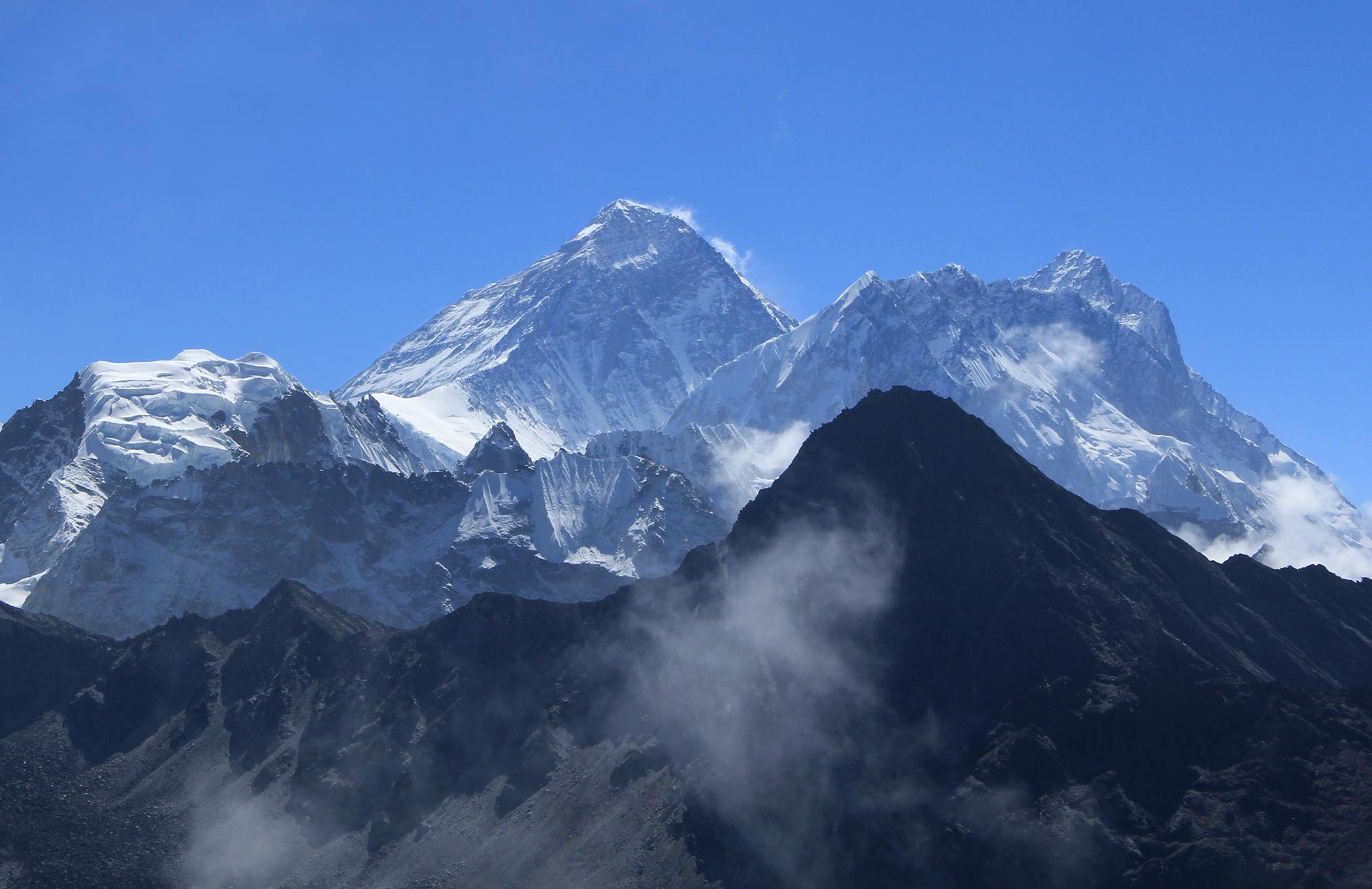 Nepal bans 2 Indian climbers नेपाल ने 2 भारतीय पर्वतारोहियों पर 10 साल का प्रतिबंध लगाया