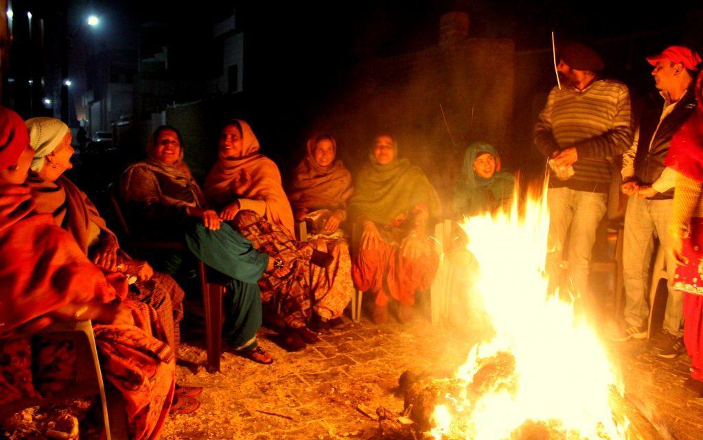 Happy Lohri and Makar Sankranti: जानें इन त्योहारों से जुड़ी धार्मिक और अन्य रोचक कहानियां