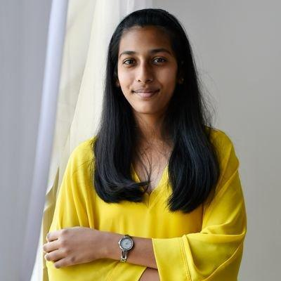 दुबई में ई-कचरे को रीसाइकल कर रही भारतीय किशोरी